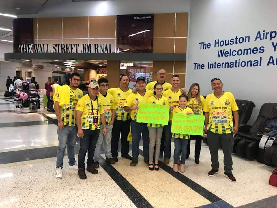 Los aficionados de Guastatoya esperan poder celebrar el pase a la siguiente ronda de la Liga de Campeones de la Concacaf. (Foto Prensa Libre: La Red)