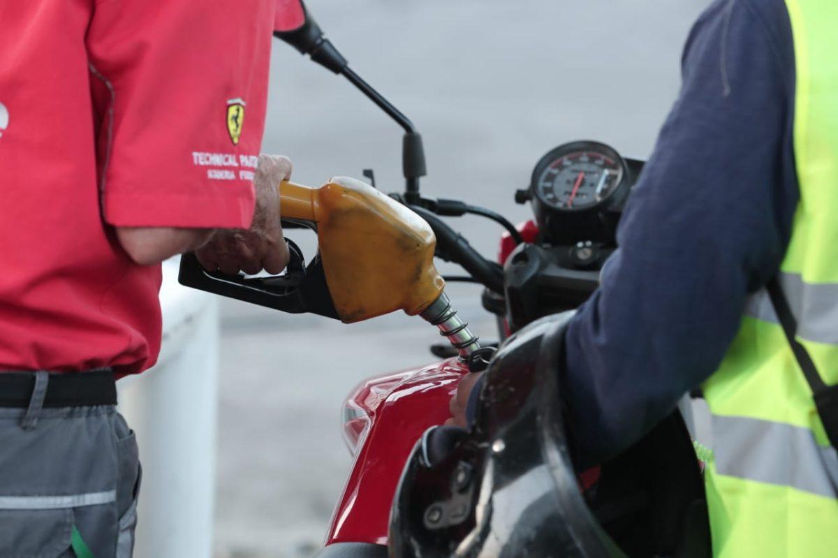 Precios de los combustibles vuelven a incrementarse en el mercado local