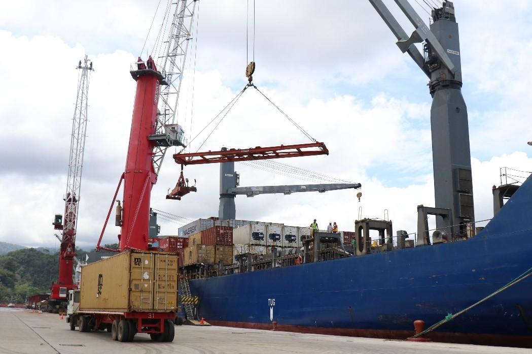 Los puertos del pacífico tienen un gran potencial para movilizar cargas a distancias cortas en Centroamérica. (Foto Prensa Libre: Hemeroteca)