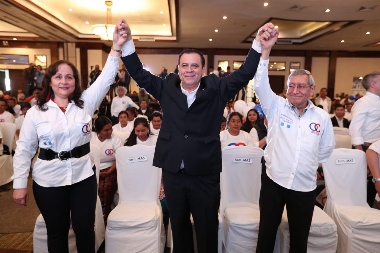 Luis Velásquez y Arturo Soto fueron proclamados como candidatos a la Presidencia y Vicepresidencia por el partido Unidos. (Foto Prensa Libre: Carlos Hérnandez Ovalle)