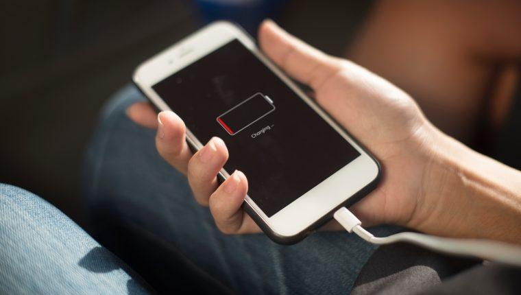 Extienda el tiempo de duración de su teléfono aprovechando estos consejos sencillos (Foto Prensa Libre: servicios / Pexels).