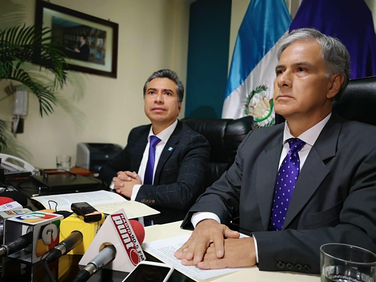 El binomio presidencial de Todos, Fredy Cabrera y Ricardo Sagastume, en conferencia de prensa. (Foto Prensa Libre: La Red)