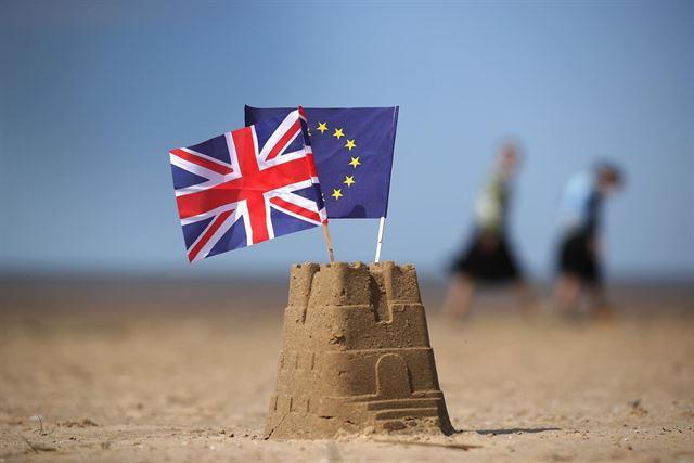 """Miles de empleos perdería el sector turístico si hay un """"brexit"""" sin acuerdo"""