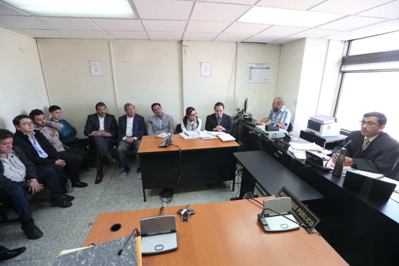 Juzgado Décimo envió a prisión provisional a las personas detenidas. (Foto Prensa Libre: Érick Ávila)
