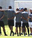 Wálter Claverí definió los 20 jugadores que enfrentará a El Salvador. (Foto Prensa Libre: Francisco Sánchez).