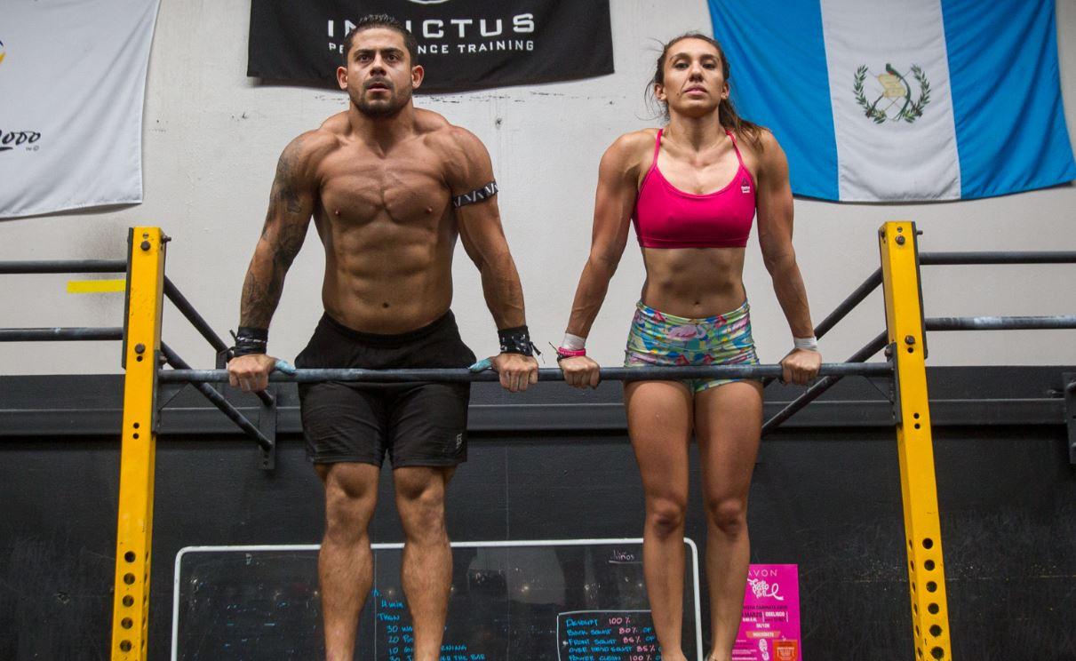 Jean Paolo Rossil y Vera Valdez participan en el Crossfit Open 2019. (Foto Prensa Libre: Norvin Mendoza).