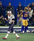 El mariscal de campo de los Patriots, Tom Brady, celebra eufórico, luego de que su equipo consiguiera el único touchdown en el Súper Tazón 53 contra Los Ángeles Rams (Foto Prensa Libre. AFP)