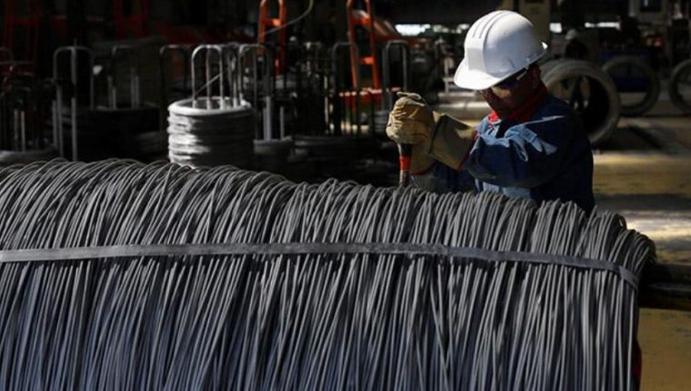 Seis meses durará la vigencia de los aranceles mexicanos al acero, a los textiles y al calzado. (Foto Prensa Libre: Dineroenimagen.com)