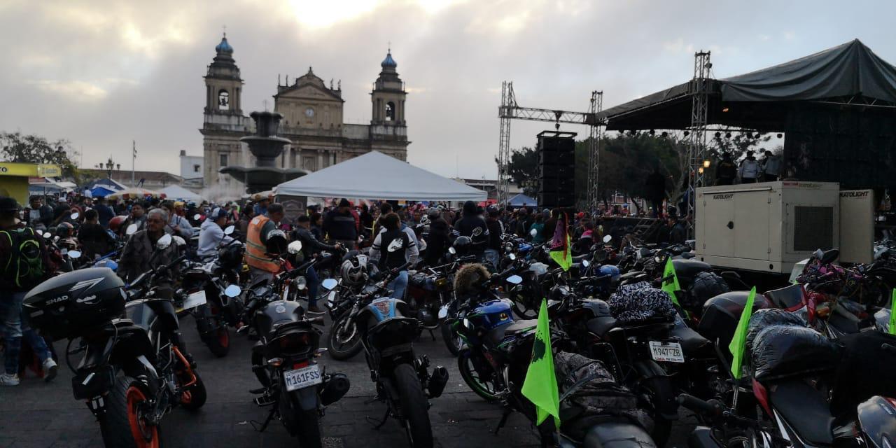 Según los organizadores, se esperaba la participación de 20 a 25 mil personas.