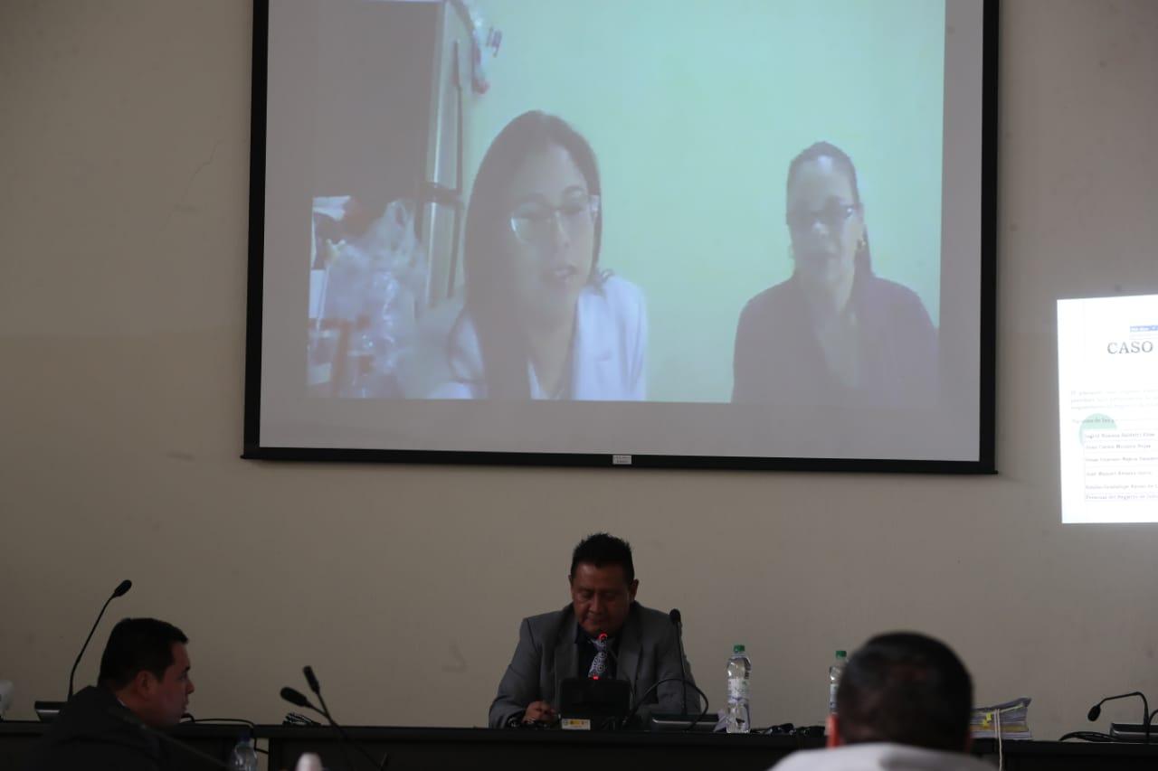 La exvicepresideta Roxana Baldetti siguió la audiencia por videoconferencia desde la cárcel Santa Teresa (Foto Prensa Libre: Érick Ávila)