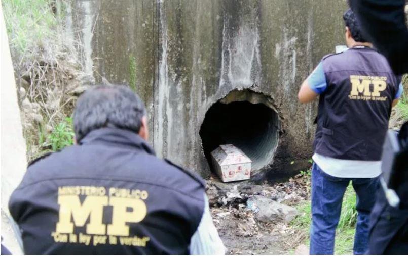 Abandonan en Jalapa  restos de bebé en féretro.
