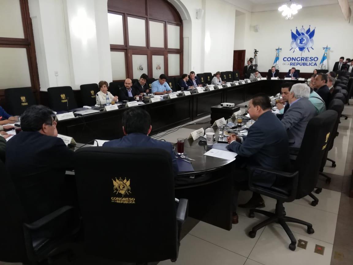Reunión de jefes de bloques donde se acordaron los proyectos legislativos a conocer en el pleno. (Foto Prensa Libre: Esbin García)