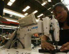El efecto del coronavirus en los compradores internacionales obligó a la cancelación de los contratados y la suspensión de los pedidos actuales de prendas en las fábricas y que representa pérdidas de unos US$400 millones en Guatemala, según cuantificó Vestex. (Foto Prensa Libre: Hemeroteca)
