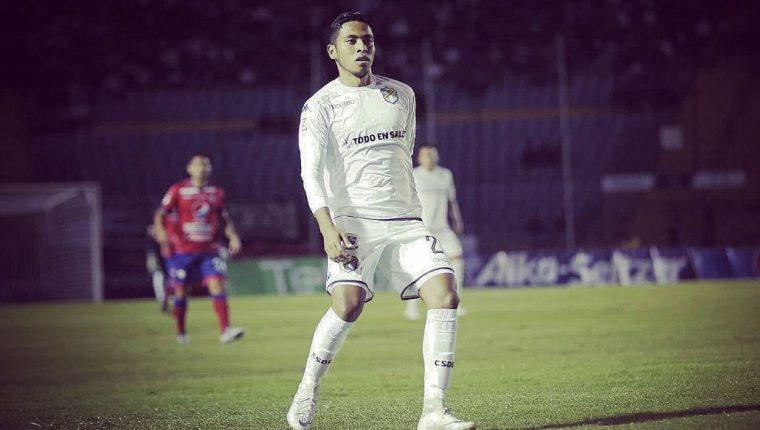 Óscar Mejía, jugador de Comunicaciones. (Foto Prensa Libre: Twitter Óscar Mejía)