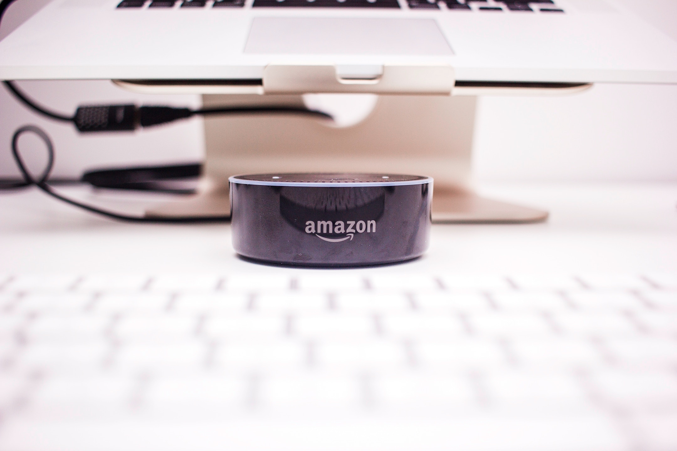Amazon busca emprendedores para mejorar los servicios de Alexa. (Foto Prensa Libre: Unsplash)