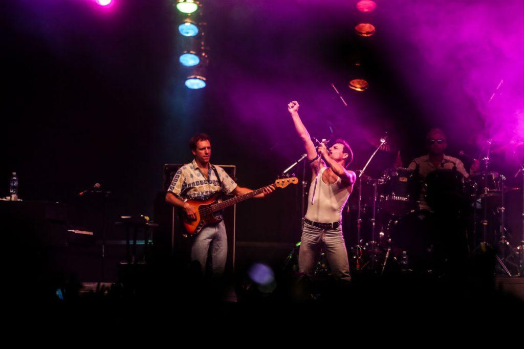 Dios Salve a la Reina surgió en Argentina hace 20 años es  considerada la banda tributo más representativa que le rinde homenaje a Queen.
