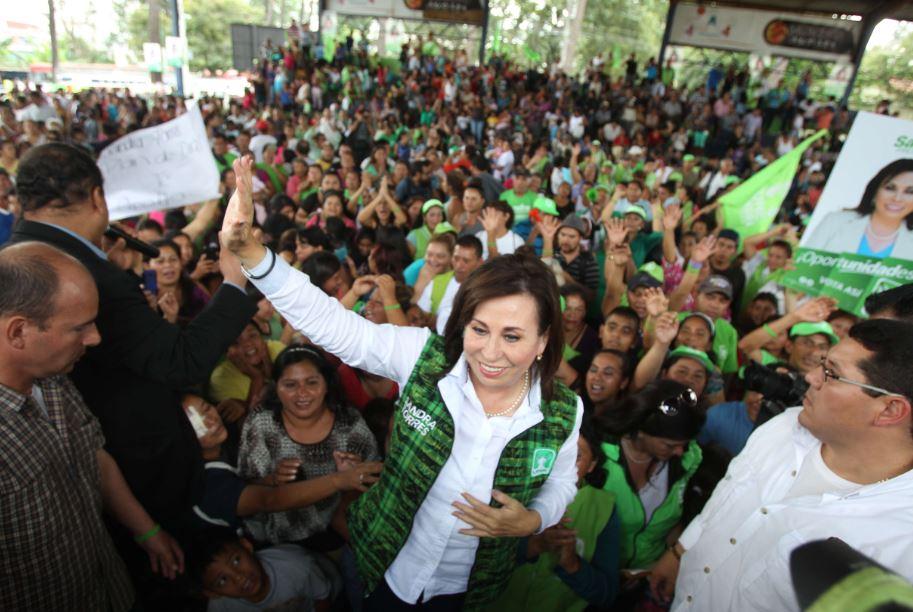 Fondos de procedencia supuestamente ilícita fueron utilizados para la campaña presidencial del binomio de la UNE en el 2015, señala el MP. (Foto Prensa Libre: Hemeroteca PL)