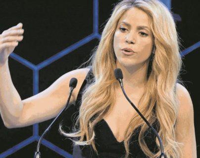 La cantante colombiana Shakira destacó la amistad que tuvo con el expresidente argentino Fernando de la Rúa, fallecido a los 81 años. (Foto Prensa Libre: Hemeroteca PL)