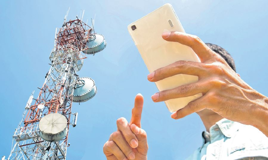 La actividad de telecomunicaciones en Centroamérica pasa a un nuevo ciclo, que será en la convergencia de redes fija y móvil y el uso de la tecnología 5G, con miras al futuro.  (Foto Prensa Libre: Shutterstock)