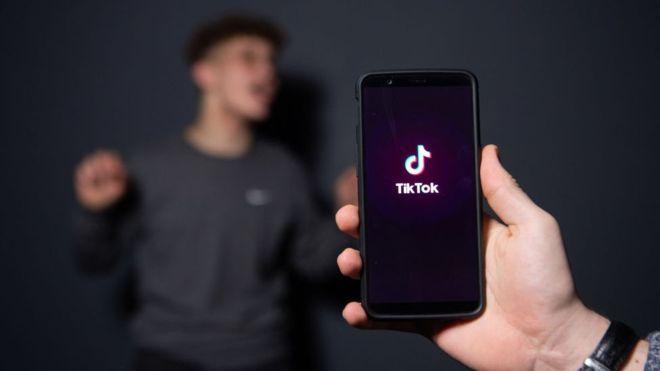 TikTok se ha convertido en la tercera app más descargada en todo el mundo (GETTY IMAGES)