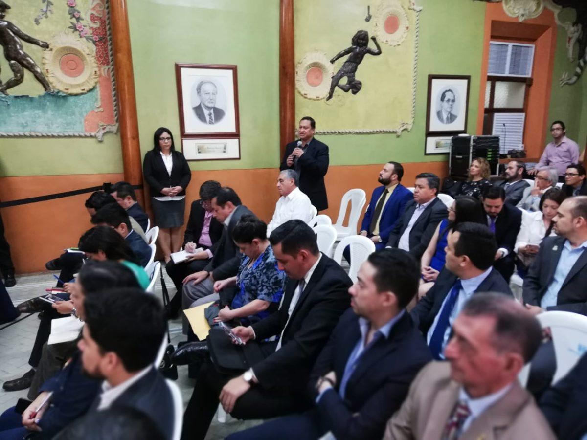Partidos cuestionan asambleas de Semilla en reunión con TSE