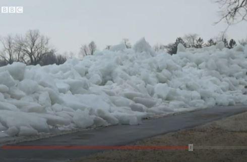 Tsunami de hielo: el extraño fenómeno que sorprende en el río Niágara, en Canadá
