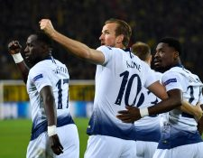 Harry Kane celebra después de anotar el único tanto en el partido de vuelta. (Foto Prensa Libre: AFP)