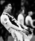 Cristiano Ronaldo se encuentra bajo investigación por este gesto en la victoria del Real Madrid, 3-0 contra el Atlético de Madrid en la vuelta de los octavos de final de la Champions League. (Foto Prensa Libre: AFP)