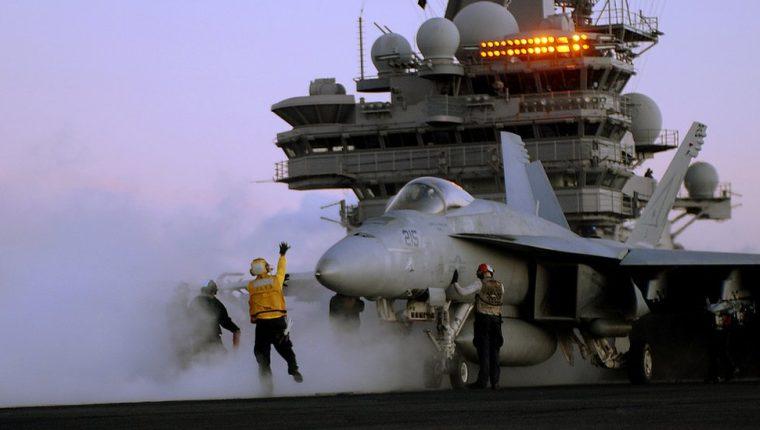 La venta de aviones de guerra fue uno de los sectores que más ingresos dio a los países exportadores.