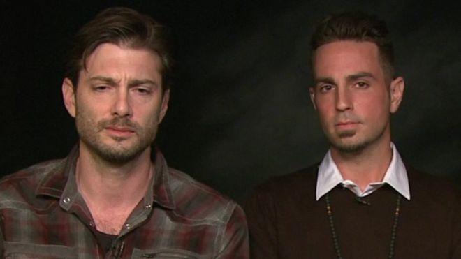 """James Safechuck y Wade Robson dicen que fueron """"cientos y cientos de veces"""" que Michael Jackson los abusó."""