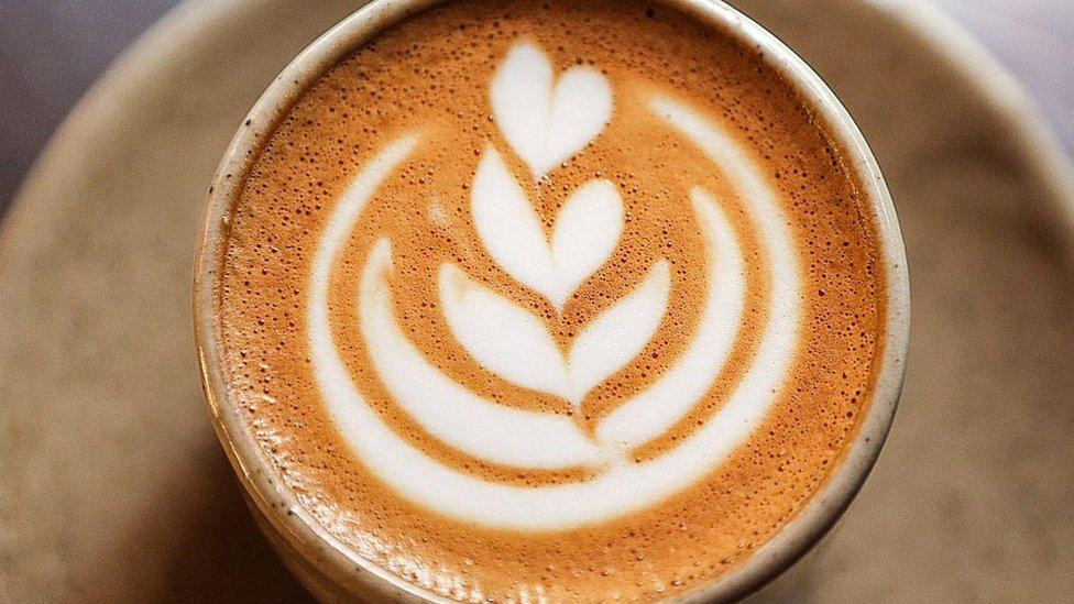 """La """"enorme angustia"""" en Colombia por la continua caída del precio del café"""