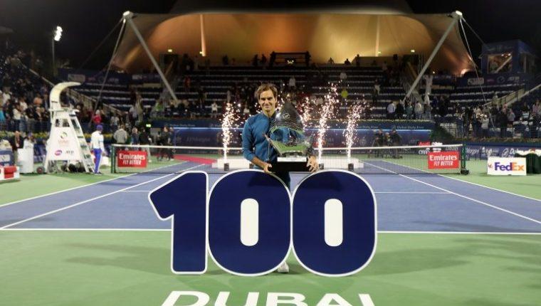 Federer tiene 100 títulos como tenista profesional. REUTERS