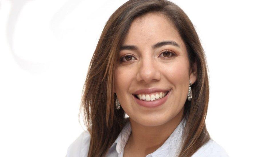 La colombiana Lina María Pinzón fue a certificarse a Nueva York y aplica el método de la gurú japonesa del orden en Bogotá.