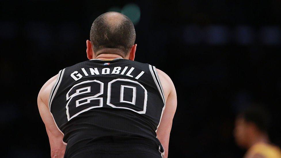Ginóbili es el jugador con más robos y anotaciones de tres en la historia de San Antonio.