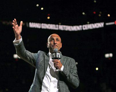 Manu Ginóbili durante su noche especial con los Spurs de San Antonio. (Foto Prensa Libre: AFP)