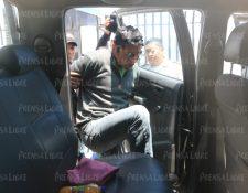 Pedro René Lorenzo López, piloto del camión que arrolló a un grupo de vecinos de Nahualá, Sololá, fue escuchado este jueves en el Juzgado de Paz de Santa Lucía Utatlán. (Foto Prensa Libre: Carlos Hernández Ovalle)