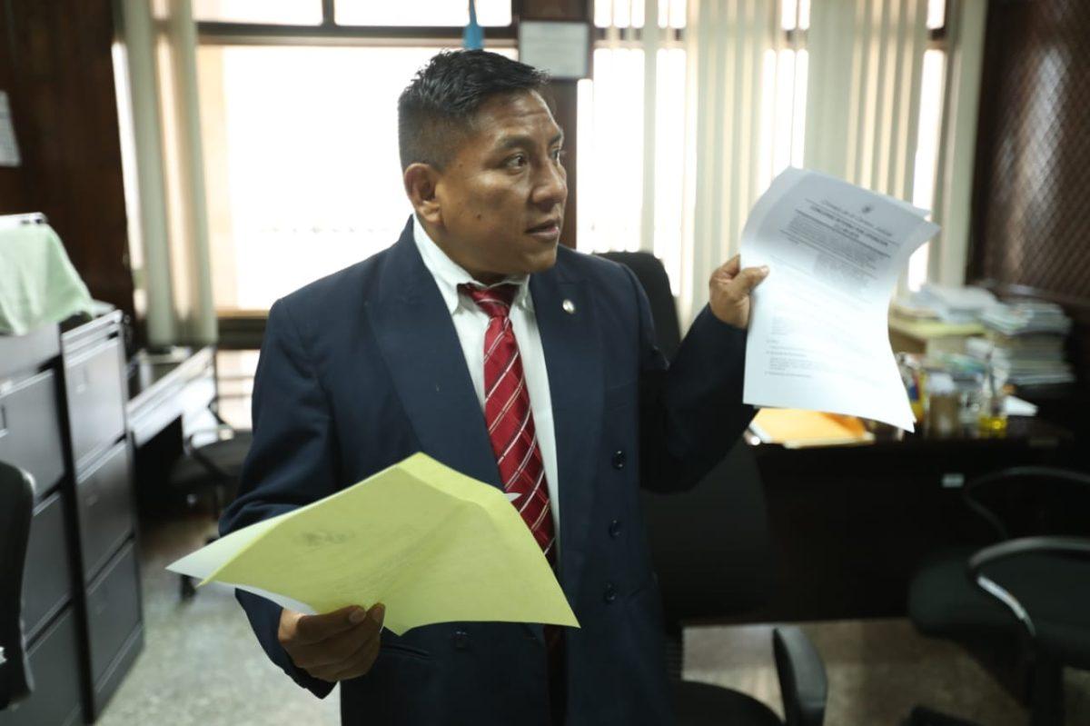 """""""Me dejaron solo"""": Juez Pablo Xitumul se queda sin jueces vocales"""
