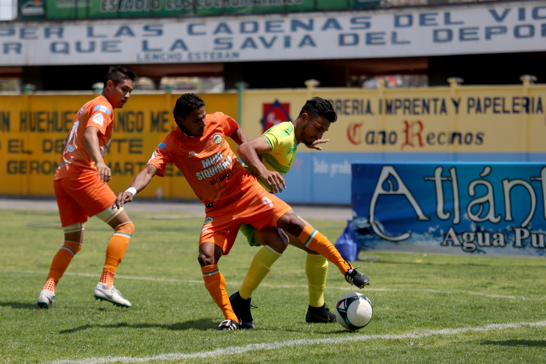 Deportivo Chiantla sigue en puestos de descenso. Este domingo cedió dos puntos en casa contra Siquinalá. (Foto Prensa Libre: Mike Castillo)