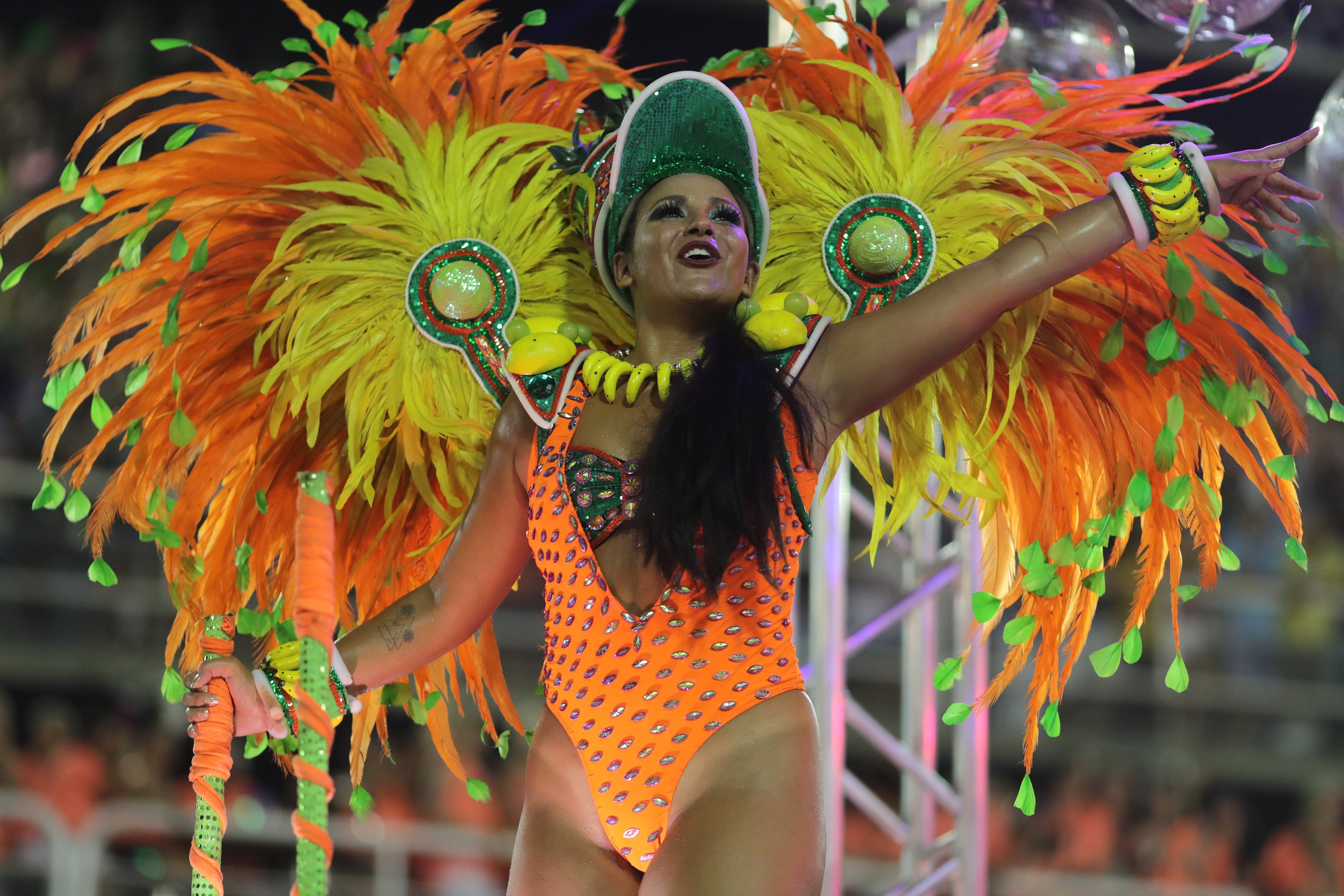 """Algunos de los participantes hicieron una fuerte crítica a la comercialización tipo """"Hollywood"""" de la samba y del carnaval"""