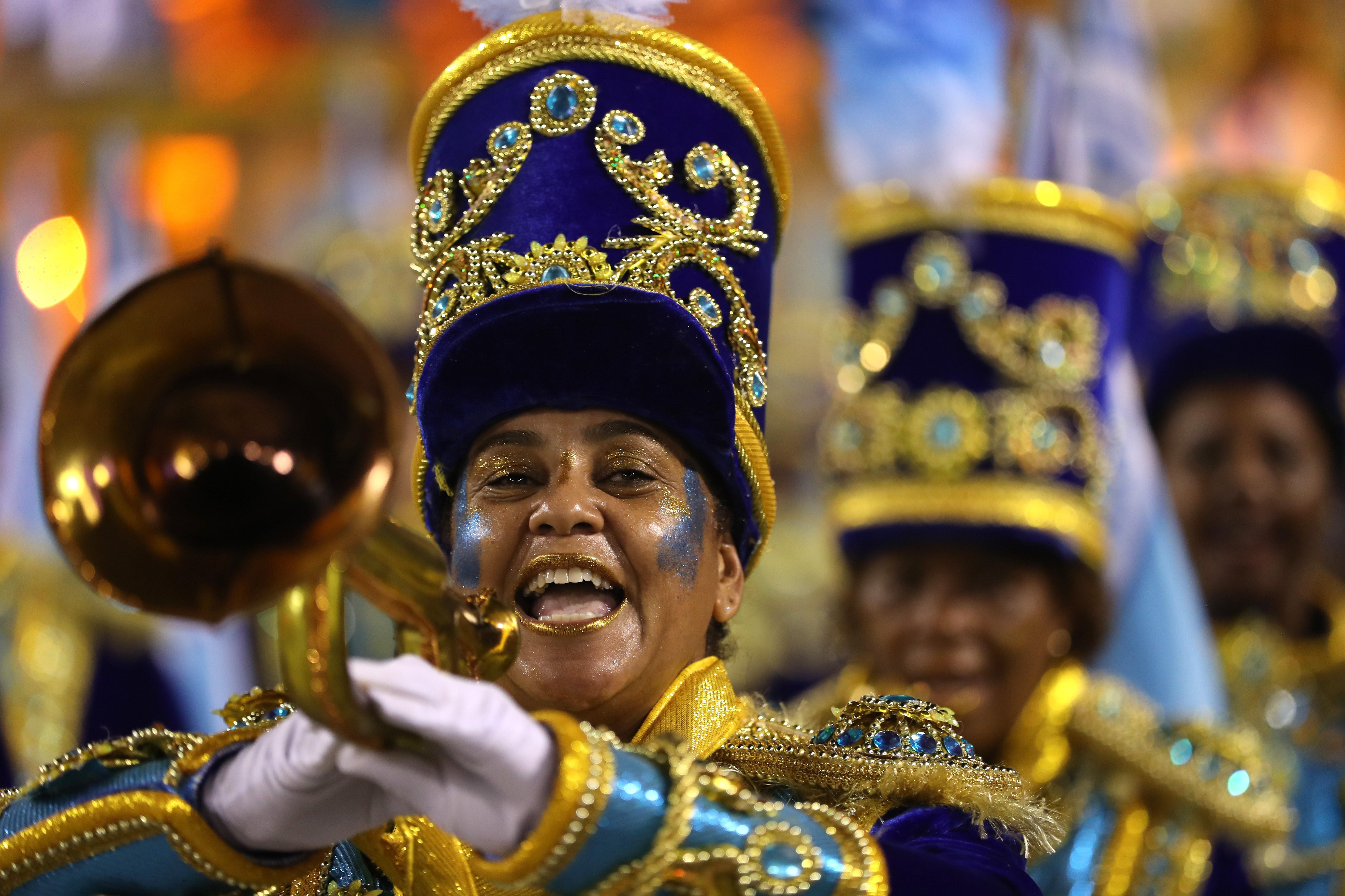 Junto a los timbales, las trompetas brindan el toque de alegría en el Carnaval.