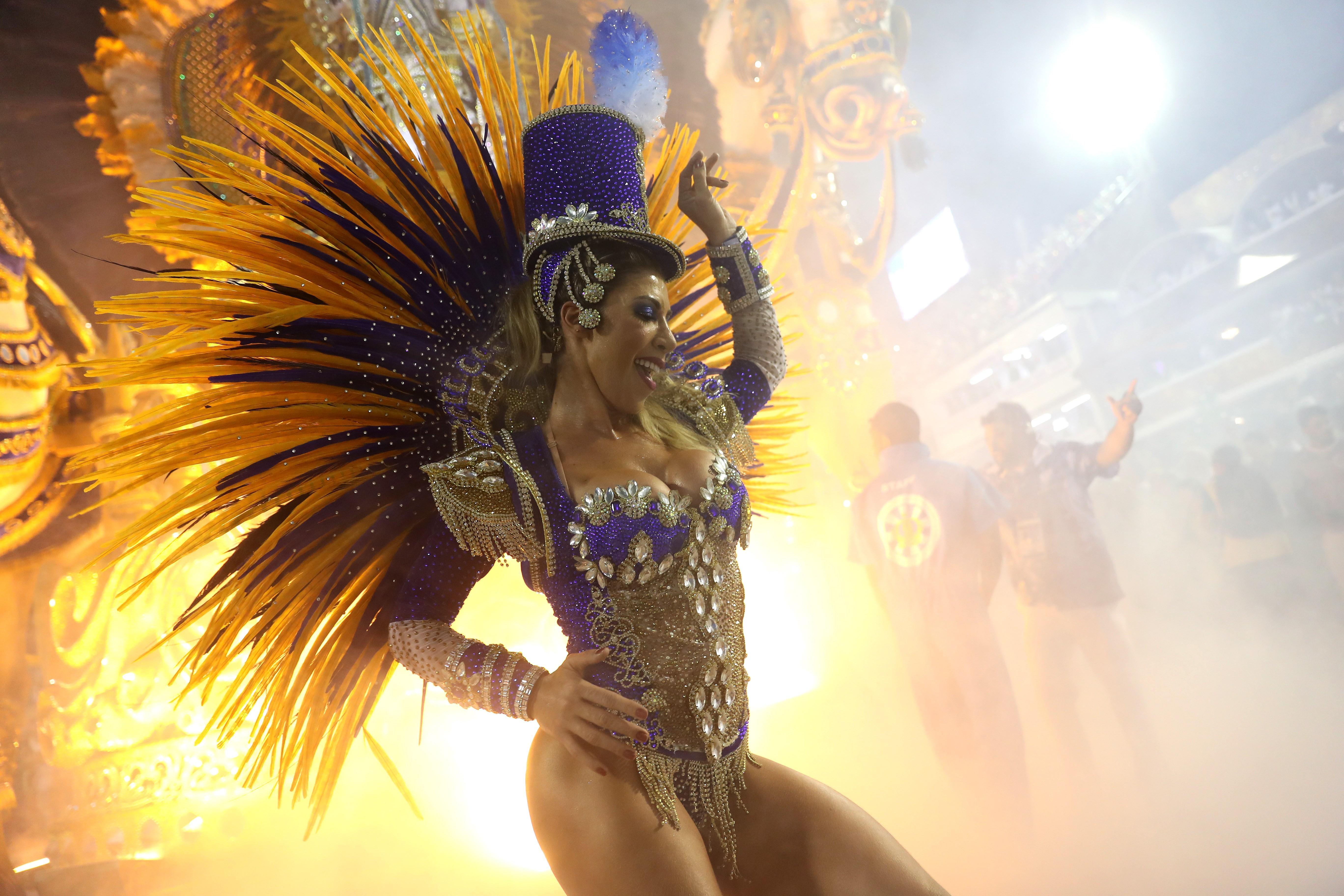 El principal atractivo del Carnaval son los motivos coloridos de los difraces.