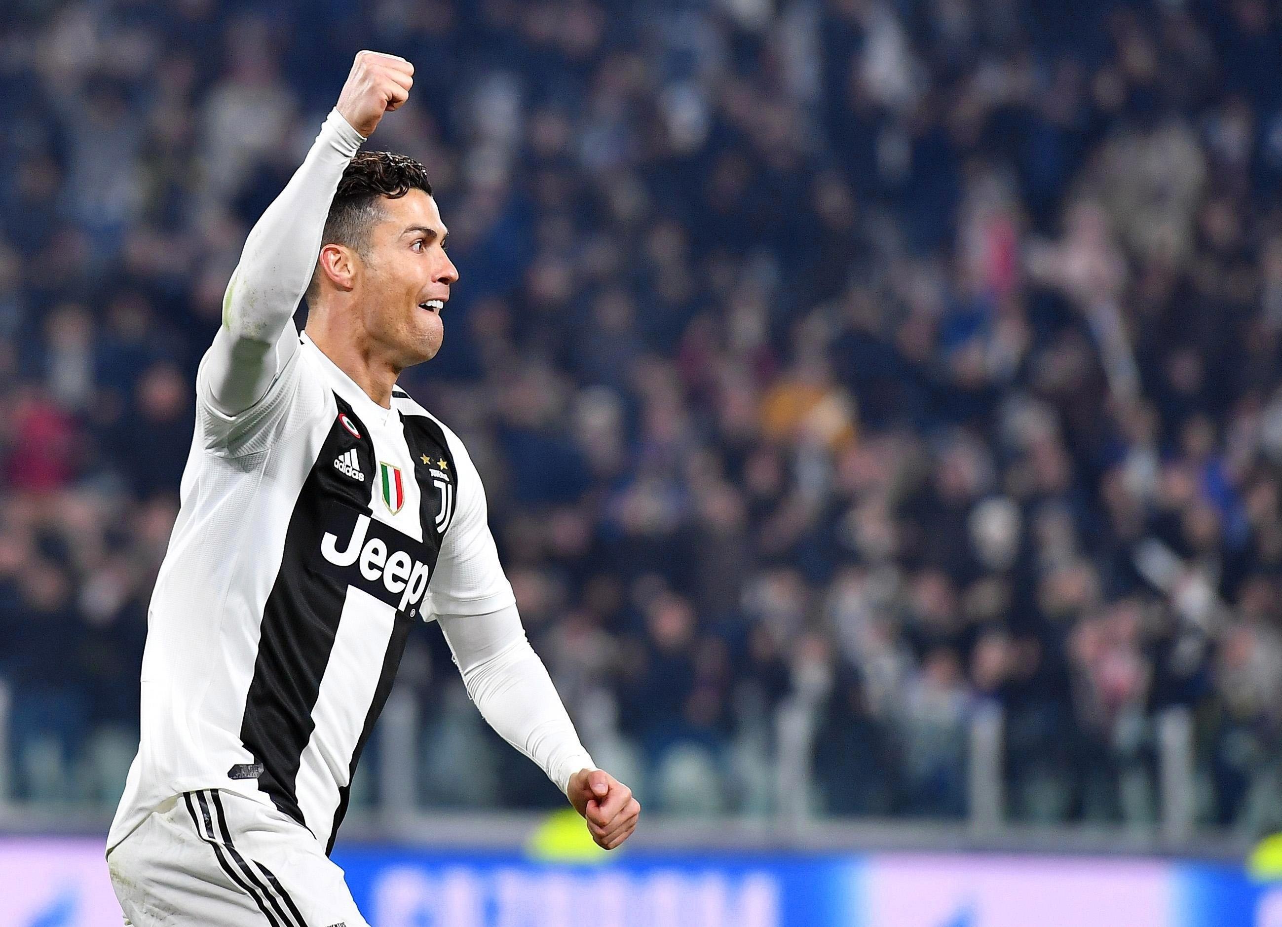 Imagen de archivo realizada el pasado martes que muestra a Cristiano Ronaldo, delantero portugués de la Juventus, mientras celebra el segundo tanto ante el Atlético de Madrid. (Foto Prensa Libre: EFE)