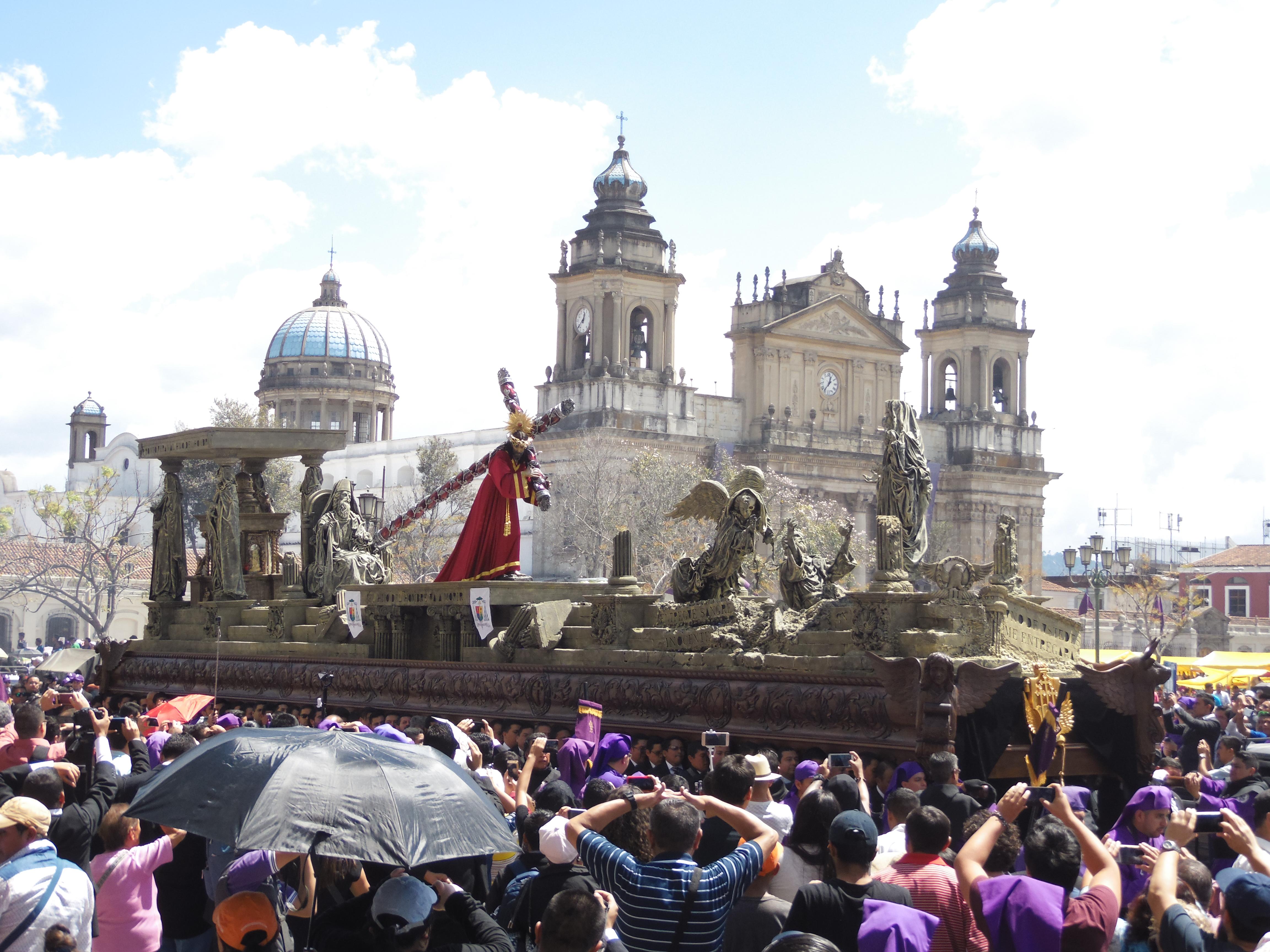 La procesión de Jesús Nazareno de la Justicia sale en procesión como es tradicional el segundo domingo de cuaresma. (Foto: Néstor Galicia)