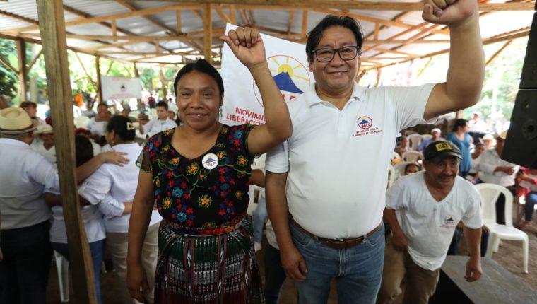 Thelma Cabrera y Neftalí López Miranda, binomio del MLP. (Foto Prensa Libre: Esbin García)