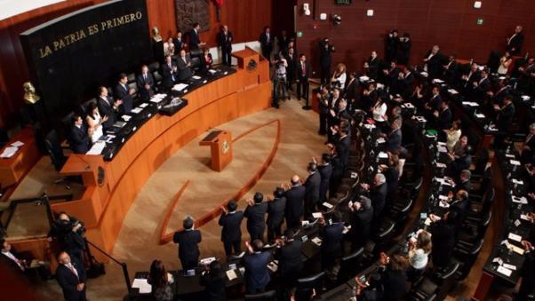 Senado mexicano aprueba reforma que prohíbe matrimonio infantil. (Foto Prensa Libre: EFE).