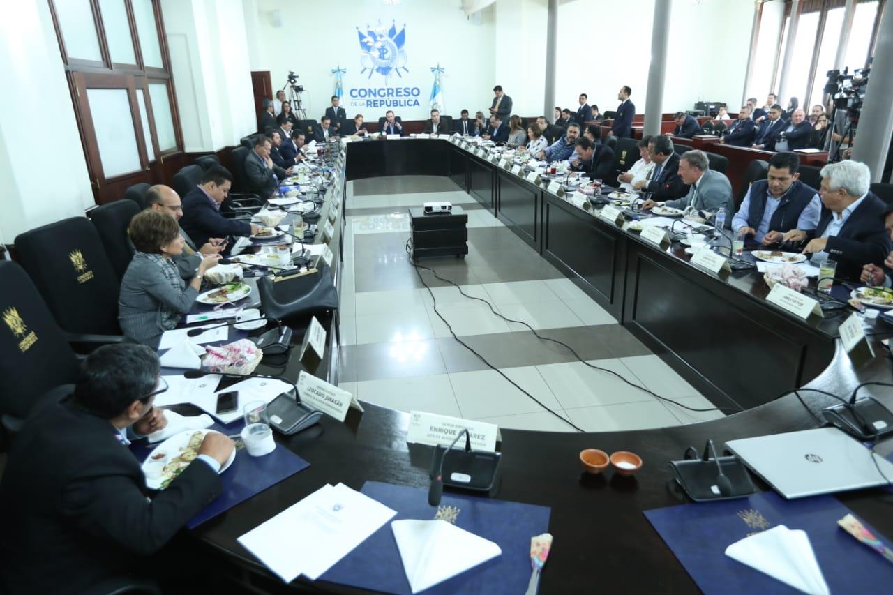 Los jefes de bloque del Congreso acordaron agendar varias iniciativas que han causado polémica por sus contenidos. (Foto Prensa Libre: Esbín García)
