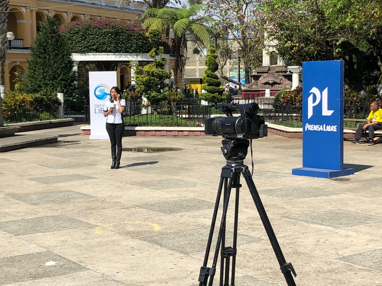 Vecinos de Cobán Alta Verapaz se expresan por medio de Cabildo Abierto de Prensa Libre y Noticiero Guatevisión. (Foto Prensa Libre: Eduardo Sam)