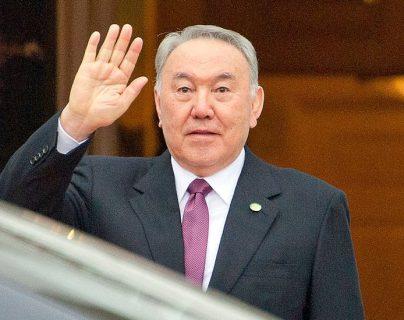 Nursultán Nazarbáyev, el único presidente de la historia de Kazajistán que tiene el poder de cambiar el alfabeto y mudar de lugar la capital del país