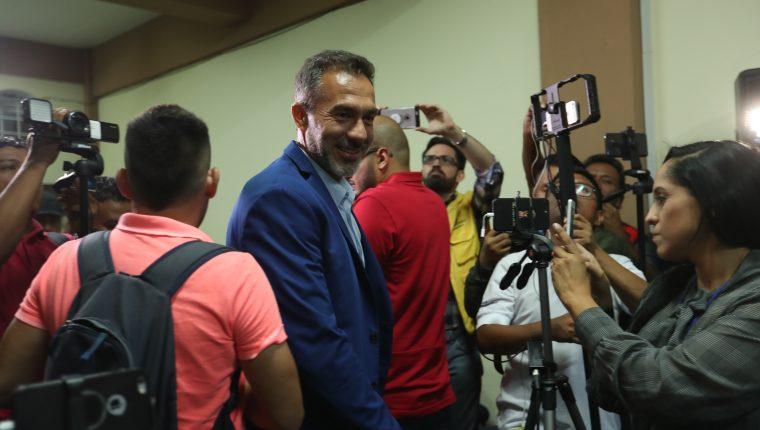 El entrenador uruguayo de Costa Rica, Gustavo Matosas, atendió esta noche a los medios de comunicación en la sala de prensa del estadio Doroteo Guamuch Flores (Foto Prensa Libre: Edwin Fajardo)