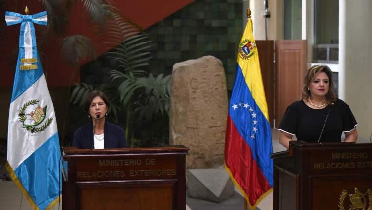 Guatemala dio la bienvenida a Maria Teresa Romero, representante del presidente Juan Guaidó. (Foto Prensa Libre: Érick Ávila)